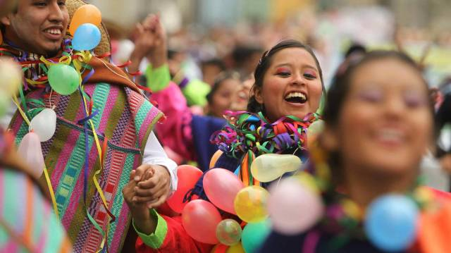el-12-de-octubre-en-america-latina-del-dia-de-la-raza-al-dia-de-la-resistencia-indigena.jpg